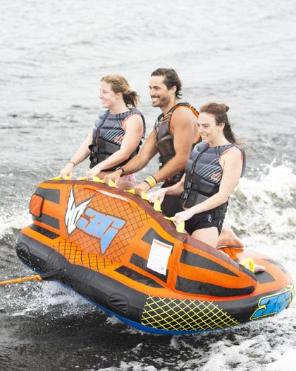 HO 3G Towable Tube 3 Rider 2021 Action